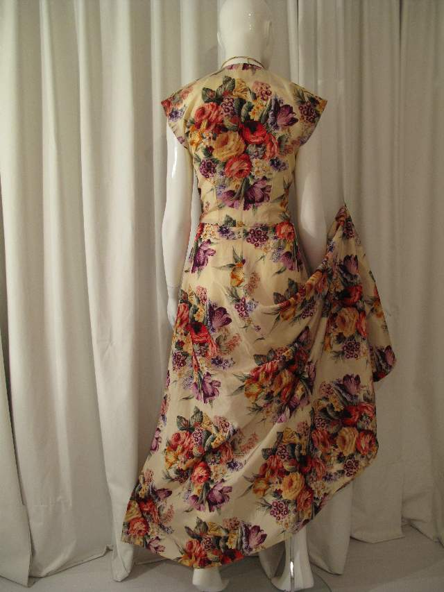 1930 s Stunning Floral Bouquet print taffeta vintage evening dress ...